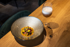 Video foodpairing Bar Alt: Konijn & Octopus met hoppige session IPA
