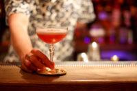 Thuisborrel Club en OneUnit lanceren 'verantwoorde cocktailbox'